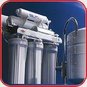 Картинка. Установка фильтра очистки воды в квартире, коттедже или офисе в Белово